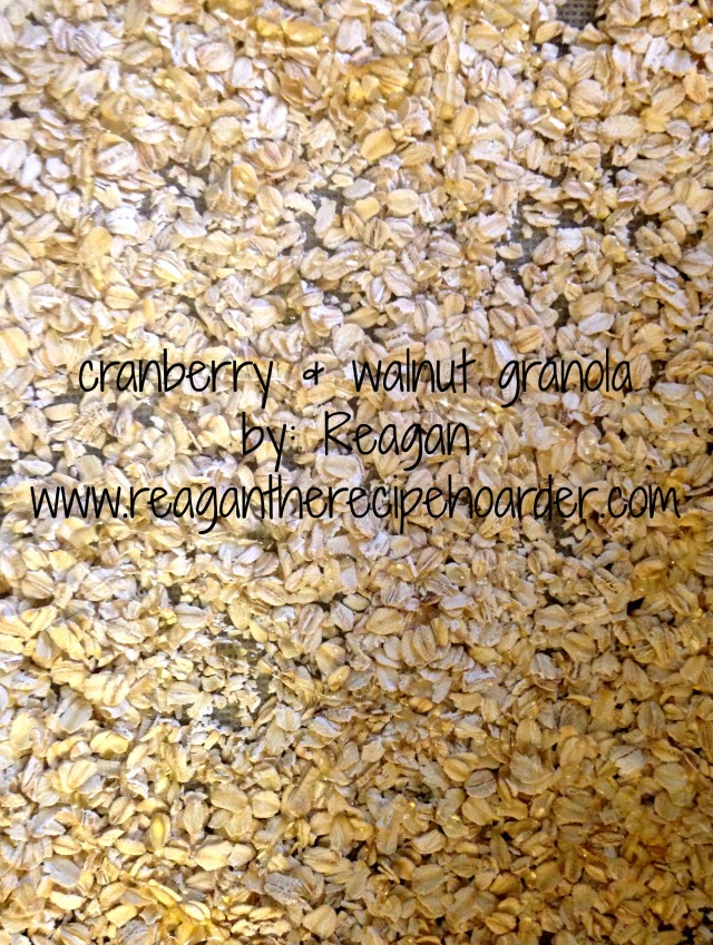 cranberry walnut granola | reagantherecipehoarder.com